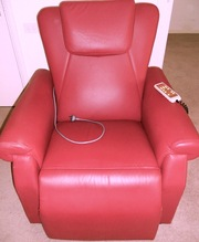 THERAPEUTIC MASSAGE & HEAT REAL LEATHER RECLINER CHAIR with remote